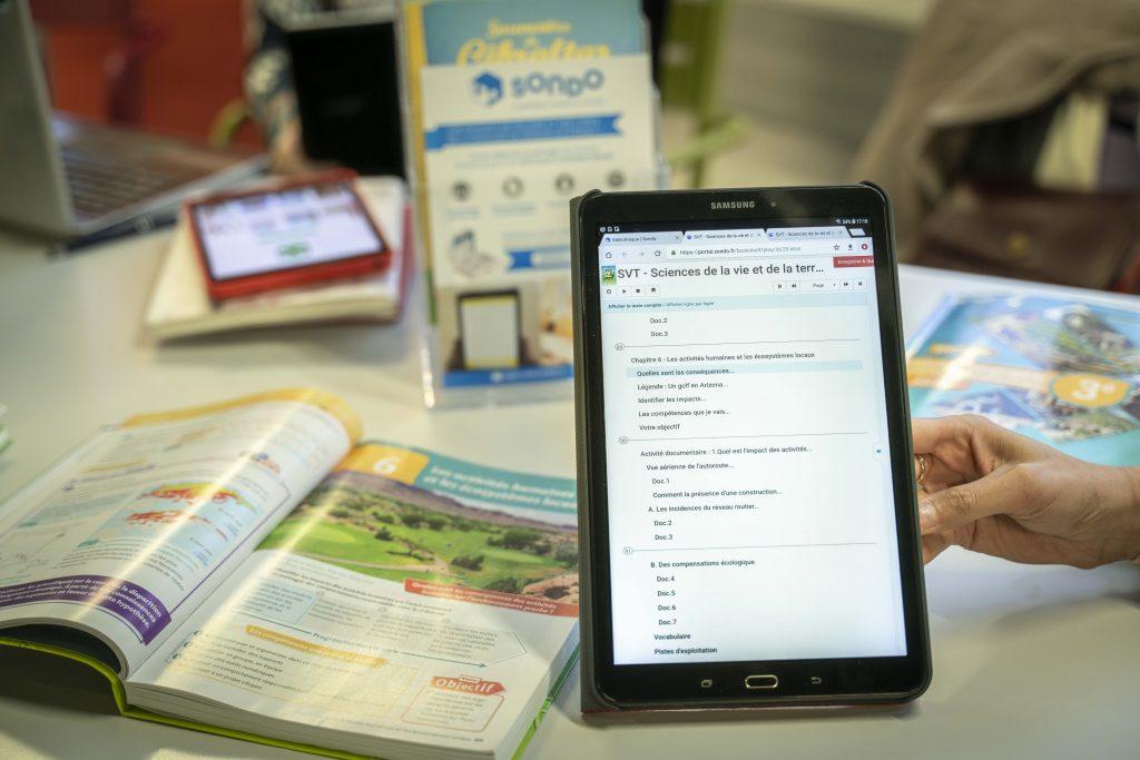 Manuel audio de la bibliothèque SONDO en complément des livres papier à StartUp For Kids